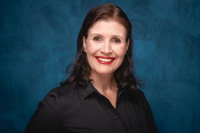 Sabrina von Nessen stellt ihre Erfahrung Führungskräften und Unternehmern zur Verfügung