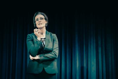 Sabrina von Nessen auf der Bühne - menschliche, authentische und nahbare Einblicke
